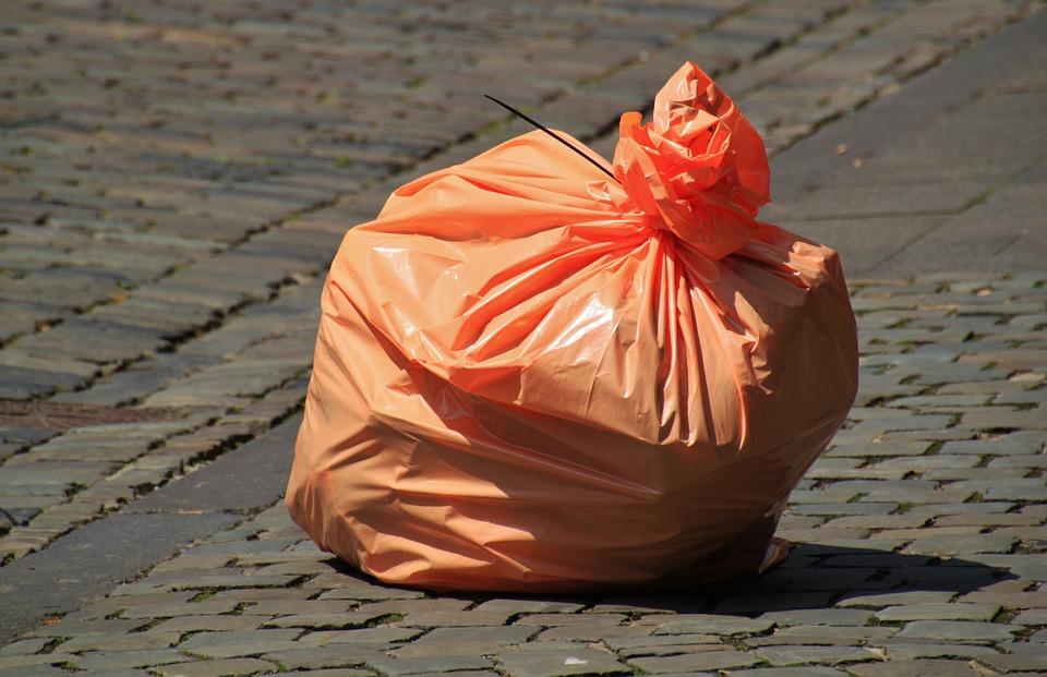 Schaff den Müll raus!!!